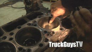 Building The Retroliner Ep 3 (cu brad flashlight cleaning out engine)